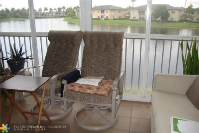 Tamarac Condo/Townhouse For Sale: 7751 Southampton Ter #203