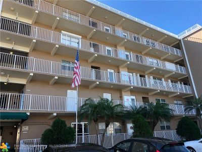 Lauderdale By The Sea Condo/Townhouse For Sale: 4117 Bougainvilla Dr #409