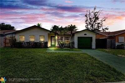 Boca Raton Single Family Home For Sale: 9402 SW 2nd St