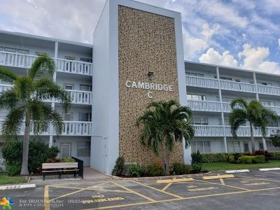 Deerfield Beach Condo/Townhouse For Sale: 3054 Cambridge C #3054