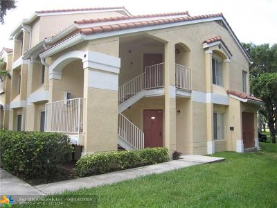Oakland Park Condo/Townhouse For Sale: 2400 NW 33rd St #1106
