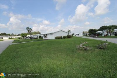Pompano Beach Single Family Home For Sale: 2641 W Golf Blvd