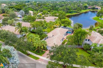Weston Single Family Home For Sale: 2548 Bay Pointe Dr