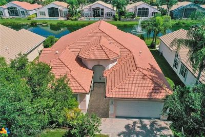 Delray Beach Single Family Home For Sale: 7221 Francisco Bend Dr