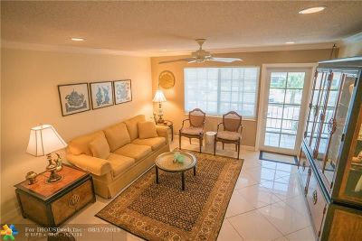 Wilton Manors Condo/Townhouse For Sale: 200 NE 19th Ct #M-214