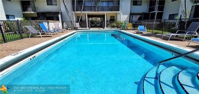 Boca Raton Condo/Townhouse For Sale: 825 NW 13th St #109