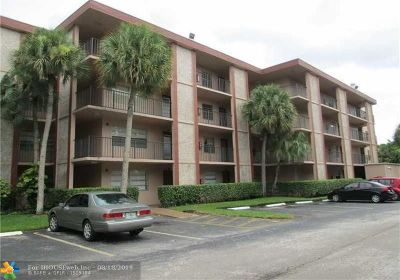 Broward County , Palm Beach County Condo/Townhouse For Sale: 3070 NW 48th Ter #401