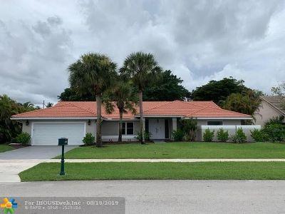 Boca Raton Single Family Home For Sale: 10796 Boca Woods Ln