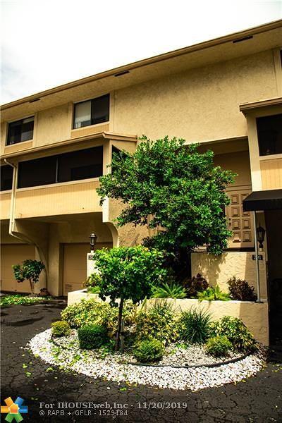 Pompano Beach FL Condo/Townhouse For Sale: $389,500