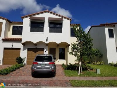 Pembroke Pines Single Family Home For Sale: 132 209 Way