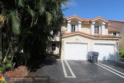 North Lauderdale Condo/Townhouse For Sale: 8175 Southgate Blvd #8175