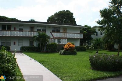 Deerfield Beach Condo/Townhouse For Sale: 221 Durham E #221