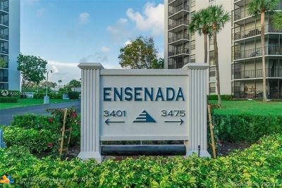 Aventura Condo/Townhouse For Sale: 3401 N Country Club Dr #508