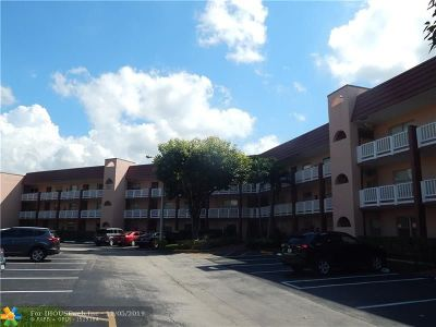Sunrise Condo/Townhouse For Sale: 9561 Sunrise Lakes Blvd. #201
