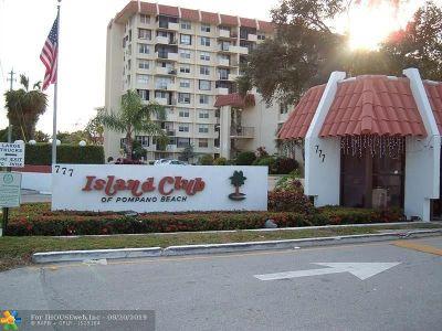 Pompano Beach FL Condo/Townhouse For Sale: $97,500