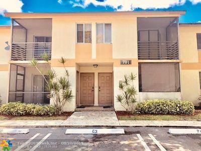 Pompano Beach FL Condo/Townhouse For Sale: $125,000