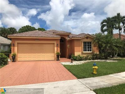Coconut Creek Single Family Home For Sale: 5325 Flamingo Pl
