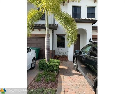 Doral Condo/Townhouse For Sale: 10391 NW 88th Ter #10391