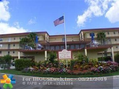 Boca Raton Condo/Townhouse For Sale: 9233 SW 8th St #415