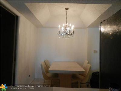 Lauderhill Condo/Townhouse For Sale: 3690 Inverrary Dr #1F