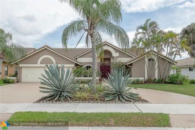 Coral Springs Single Family Home For Sale: 9678 N Springs Way