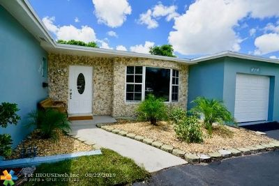 Lauderhill Single Family Home For Sale: 5250 NW 14 Place