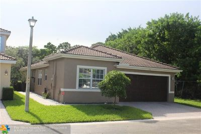 Coconut Creek Single Family Home For Sale: 7167 Crescent Creek Ln