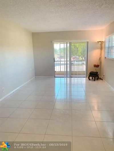 Coral Springs FL Condo/Townhouse For Sale: $90,000