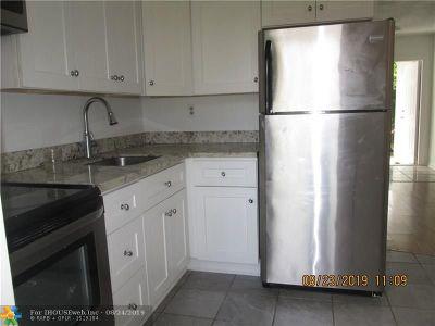 Pompano Beach Multi Family Home For Sale: 829 NE 12th Ave
