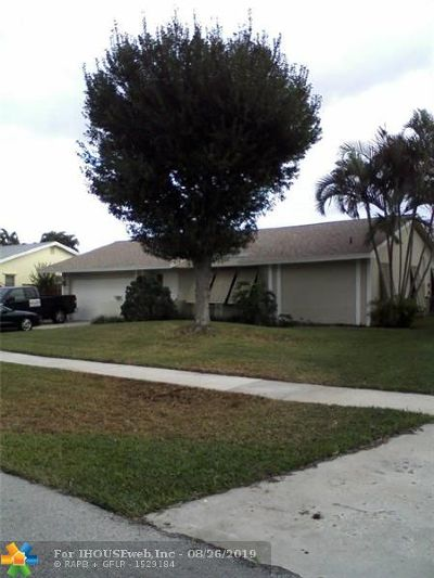 Deerfield Beach Single Family Home For Sale: 1472 SW 28th Ter