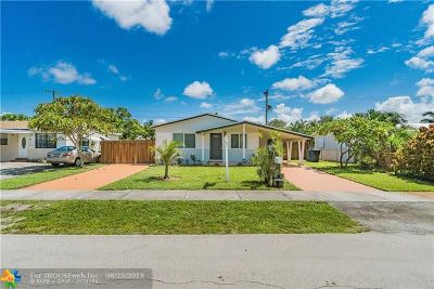 Oakland Park Single Family Home For Sale: 70 NE 56th Ct