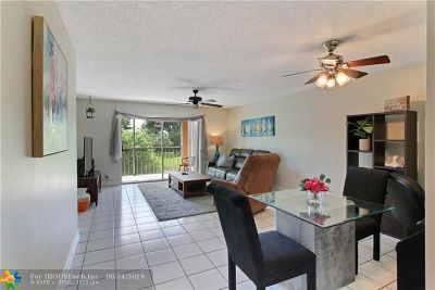 Boca Raton Condo/Townhouse For Sale: 9220 SW 3rd St #915
