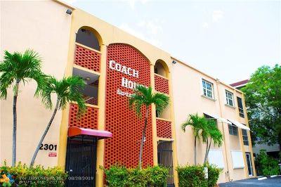 Pompano Beach Condo/Townhouse For Sale: 2301 NE 14th Street Cswy #304-E