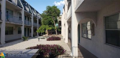 Deerfield Beach Condo/Townhouse For Sale: 1100 SE 4th Ave #35