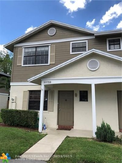 Pembroke Pines Condo/Townhouse For Sale: 10759 NW 11th St #10759