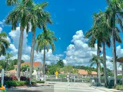 Coral Springs Single Family Home For Sale: 10812 NW 46th Dr