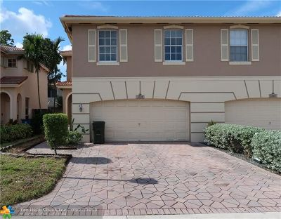 Coconut Creek Condo/Townhouse For Sale: 3536 Eastpointe Pl #3536