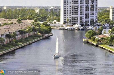 Hollywood Condo/Townhouse For Sale: 3800 S Ocean Dr #1023