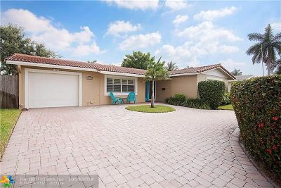Deerfield Beach Single Family Home For Sale: 909 SE 17th St