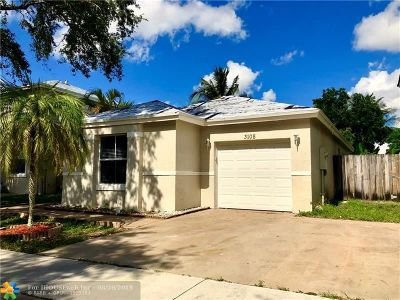 Margate Single Family Home For Sale: 3108 Palm Place