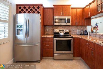 Pompano Beach Condo/Townhouse For Sale: 3993 Cypress Reach Ct #503