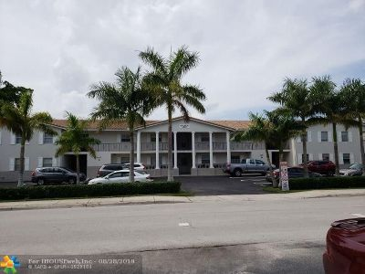 Coral Springs Condo/Townhouse For Sale: 8901 NW 38th Dr #201