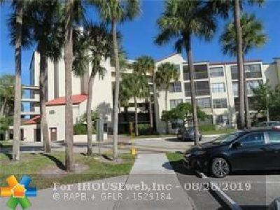 Pompano Beach Condo/Townhouse For Sale: 2304 S Cypress Bend Dr #514