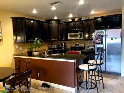 Coral Springs Single Family Home For Sale: 2542 NW 82nd Ter