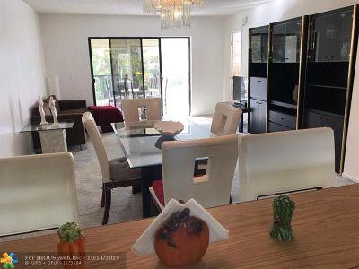 Lauderhill Condo/Townhouse For Sale: 6475 W Oakland Park Blvd #306