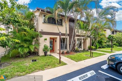 Oakland Park Condo/Townhouse Backup Contract-Call LA: 3024 S Oakland Forest Dr #3106
