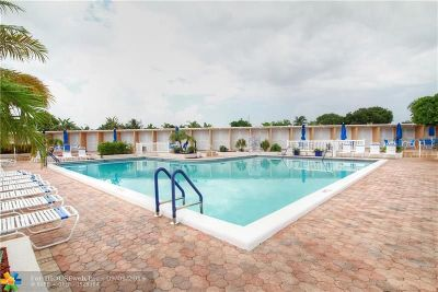 Fort Lauderdale Condo/Townhouse For Sale: 6750 NE 21st Rd #132