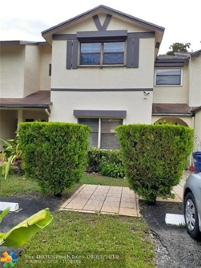 Lauderhill Condo/Townhouse For Sale: 7383 NW 34th St #7383