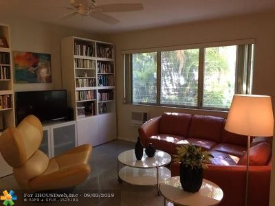 Fort Lauderdale Condo/Townhouse For Sale: 700 Bayshore Dr #25
