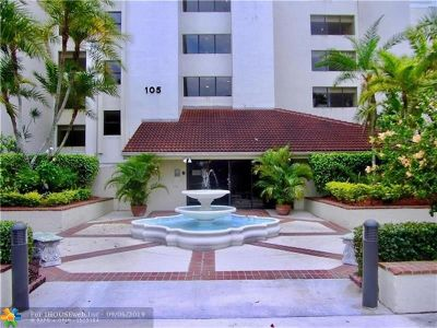 Oakland Park Condo/Townhouse For Sale: 105 Lake Emerald Dr #216